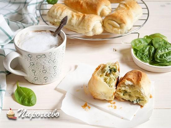 Вкусные слойки со шпинатом и сыром