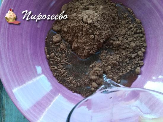 Порошок какао смешиваем с водой и нагреваем
