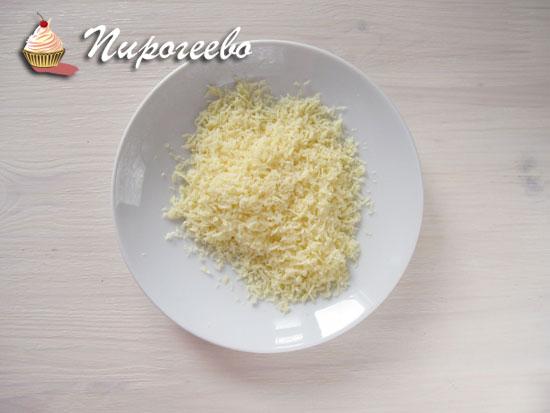 Потереть сыр на терке