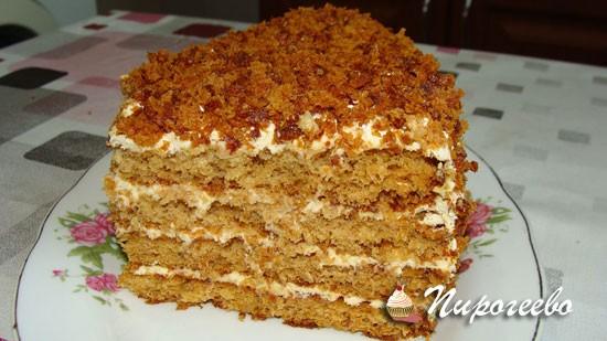 Медовый торт с йогуртовым кремом