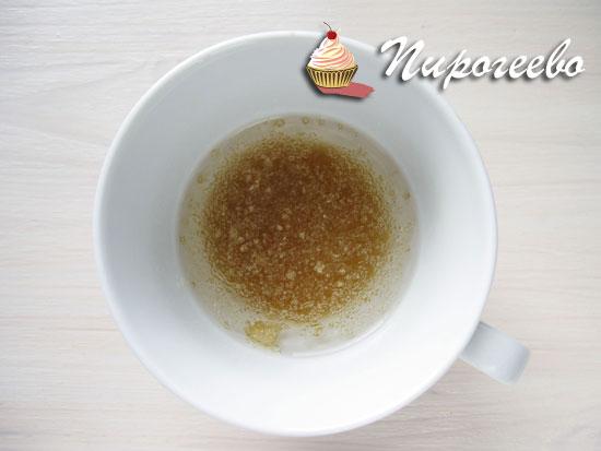 Растворить желатин в воде