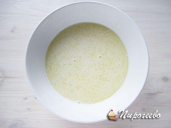 Сливочное масло в растопленном виде
