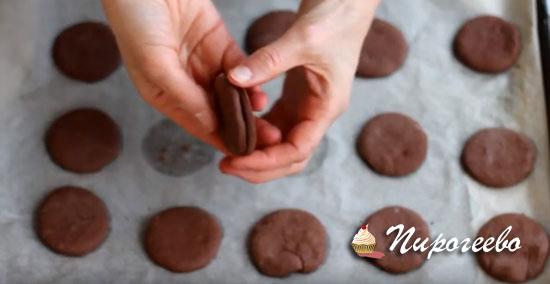 Подбираем печенье одинаковое по размеру